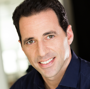 Chris Dessi headshot