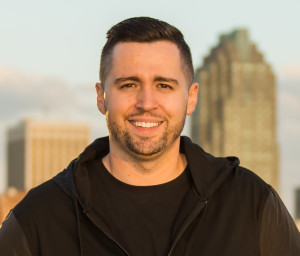 Ep 53 – From Food Stamps to Freedom, and Four Steps to Close a Sale, with Aaron Janx